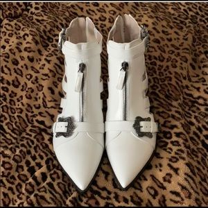 Nine West white Carrillo buckle booties boots